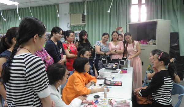 臺中市屯區新住民學習中心(東平國小)107年多元培力課程:美容彩妝課程