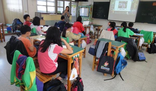 臺中市海區新住民學習中心-德化國小 新住民子女生活母語學習課程